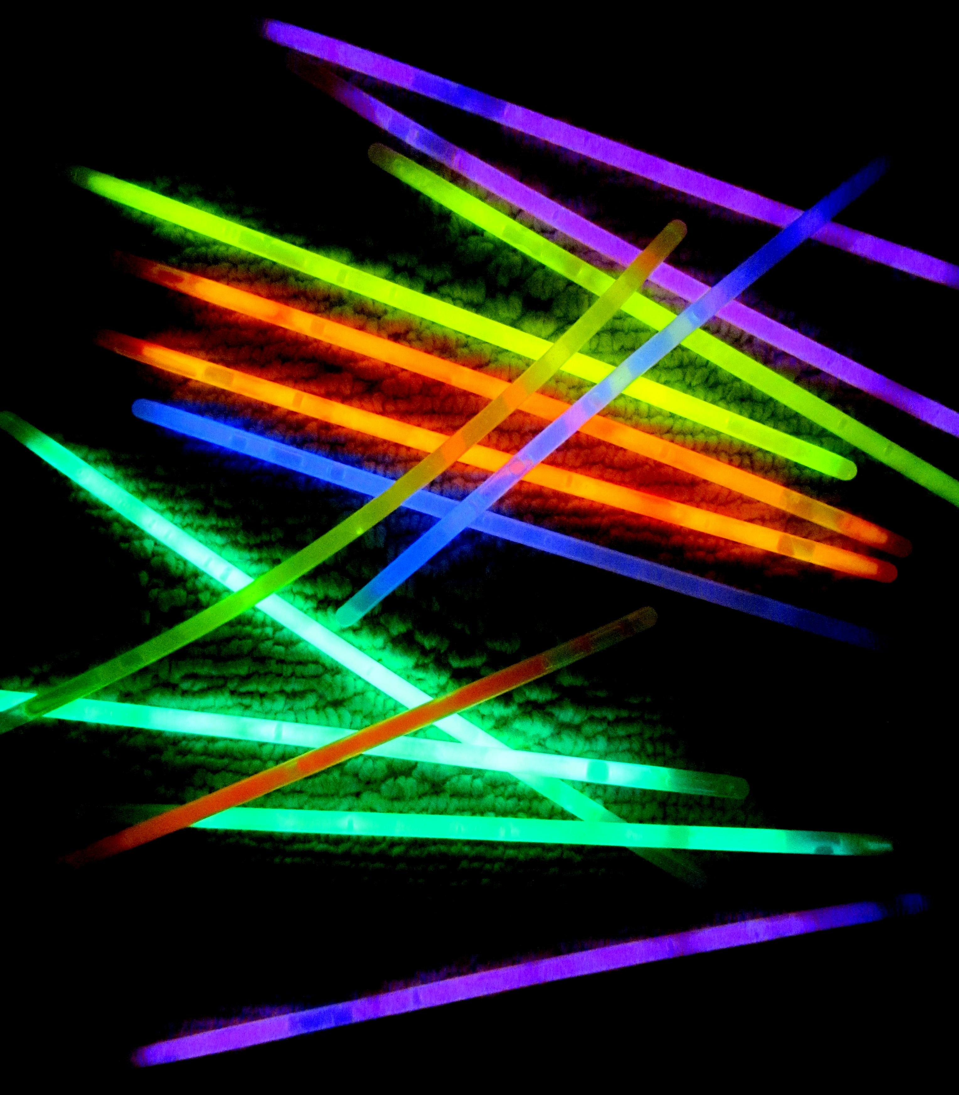 glow sticks dance.jpg